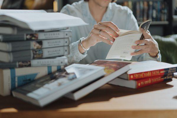 Модерната литература-изход или капан?