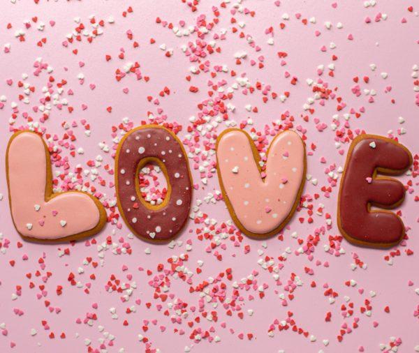Любов… Купидон и още нещо…