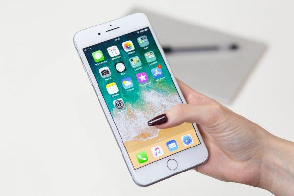 10 неща с които смартфонът ни разделя завинаги